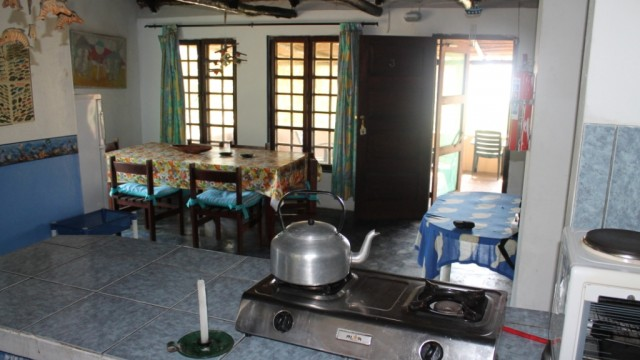 Eating area and kitchen 2
