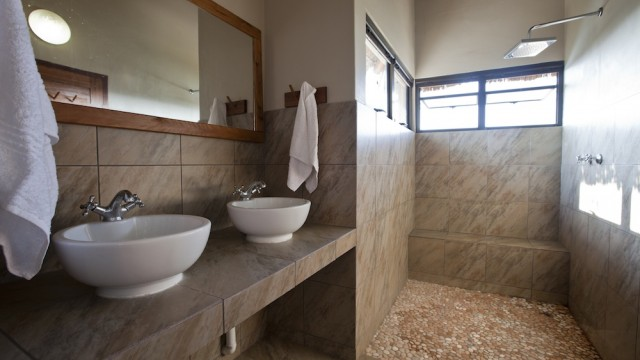 Bathroom (2)