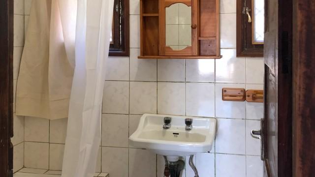 dhowBLUE_Bathroom